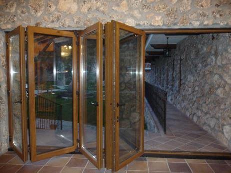 Puerta corredera abatible 1 ventanas pvc madrid - Puertas correderas abatibles ...