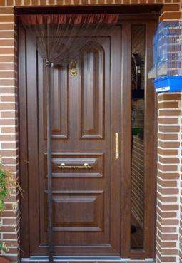 Puerta pvc calle 3 ventanas pvc madrid for Puertas de pvc exterior